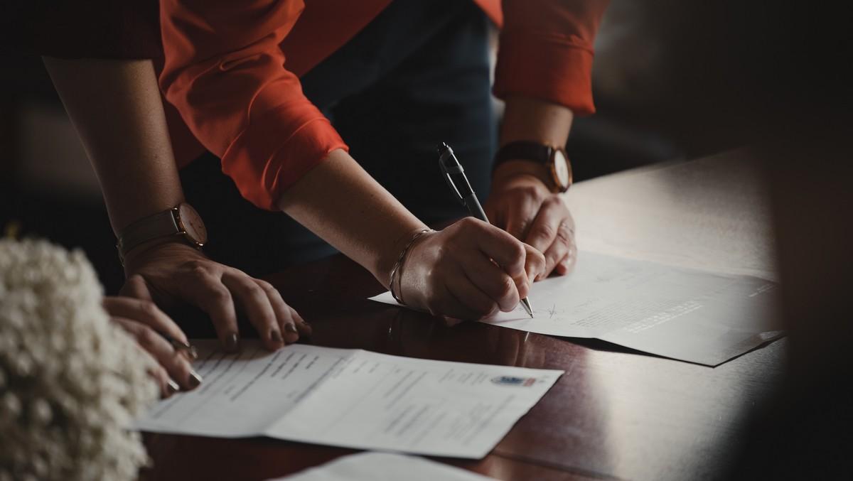 Podepisování daňového přiznání, kde jsou slevy na dani.